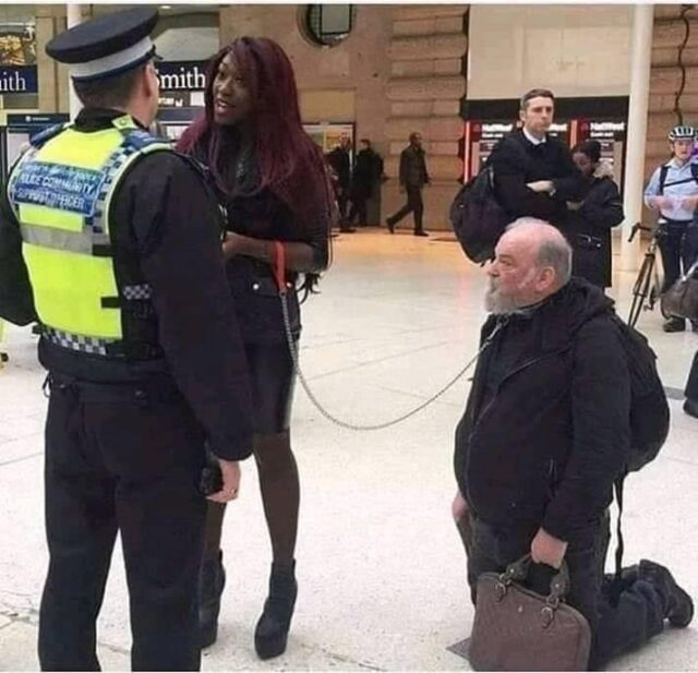 UK-POLICE-ARREST-BLACK-WOMAN